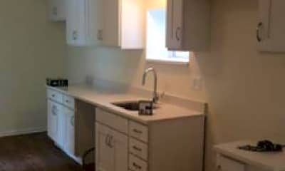 Kitchen, 1424 N Greenview Ave, 1