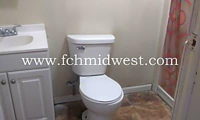 Bathroom, 1602 E Minnesota St, 2