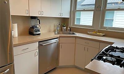 Kitchen, 523 W Beech St, 1