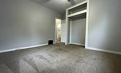 Living Room, 333 Lamont St, 2