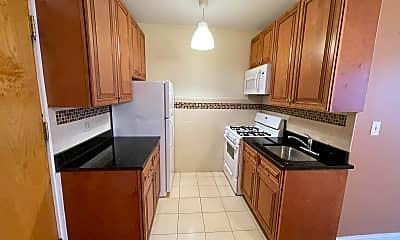 Kitchen, 4552 N Clark St Apt: 315, 1