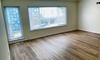 Living Room, 445 Warren Dr, 1