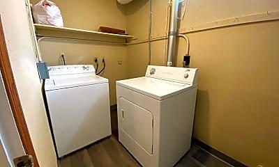 Bathroom, 1425 Pin Oak Dr, 2