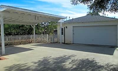Building, 815 Vista Way, 0