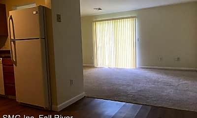 Living Room, 4000 N Main St, 1