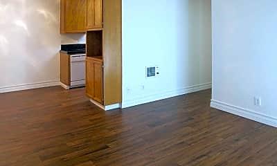 Living Room, North Bonita Racquet Club Apartments, 2