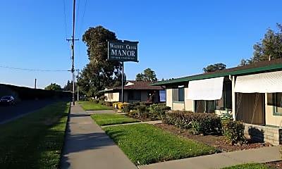 Walnut Creek Manor, 1