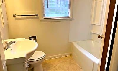 Bathroom, 733 S Ash St, 2
