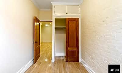 Bedroom, 419 E 76th St, 2