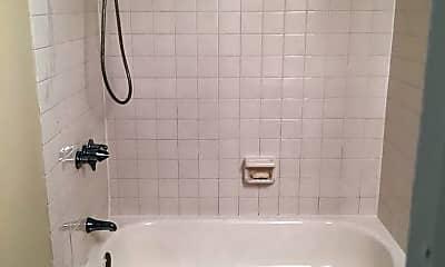 Bathroom, 1448 Crofton Pkwy, 2