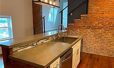 Kitchen, 40 Cannon St, 1