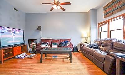 Living Room, 1120 W Roscoe St, 0