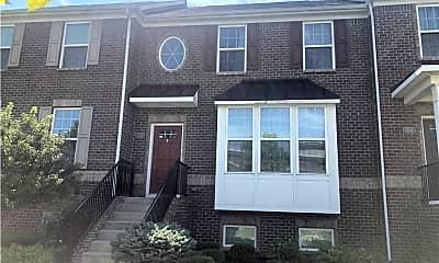 Building, 13575 E 131st St, 1