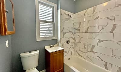 Bathroom, 164 Lexington Ave, 2