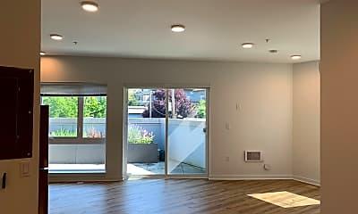 Living Room, 750 11th Ave E, 1