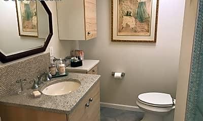 Bathroom, 81 Park Terrace W, 2