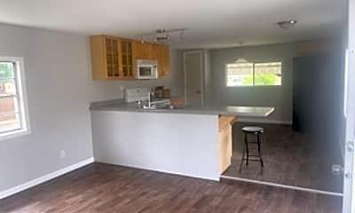 Living Room, 120 Penn Adamsburg Rd, 1