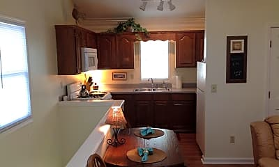 Kitchen, 3022 Riverside Ave CARRIAGE, 2