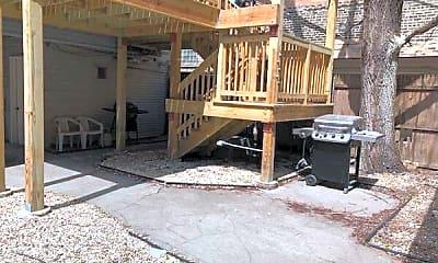 Patio / Deck, 3145 N Kenmore Ave, 2