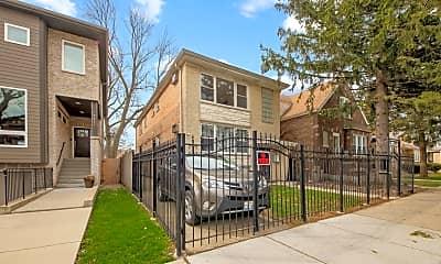 Building, 5043 W Cornelia Ave 2, 1
