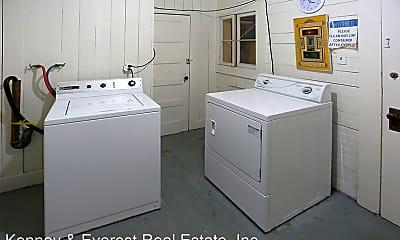 Bathroom, 830 Powell St, 2