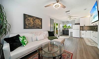 Living Room, 5203 Lake Caloosa Dr, 1