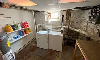 Kitchen, 998 Washington St, 2