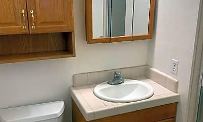 Bathroom, 1810 Poplar Ln, 2