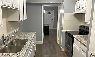 Kitchen, 4014 Commonwealth Dr, 1