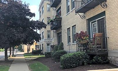 Main Jewett Apartments, 2