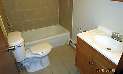 Bathroom, 1607 S 8th St, 2