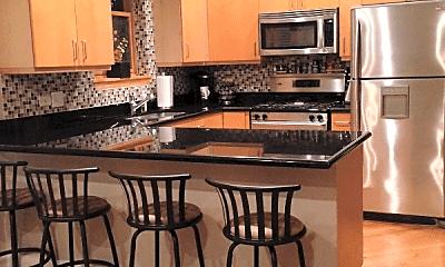 Kitchen, 2029 W Evergreen Ave, 1