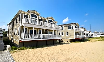 Building, 233 Beach Front 3, 0