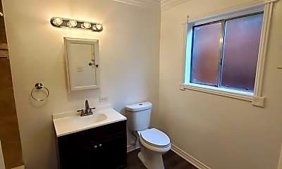 Bathroom, 247 Avenida Del Poniente, 2