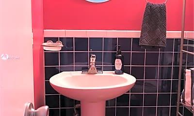 Bathroom, 2200 NE 33rd Ave 6D, 2
