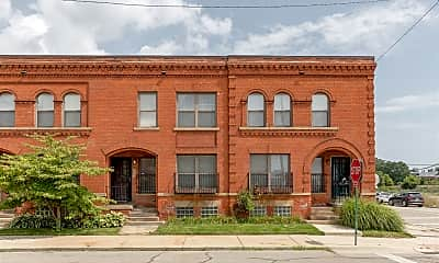 Building, 6400 John R St, 2