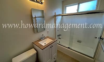 Bathroom, 1470 S Sherbourne Dr, 2