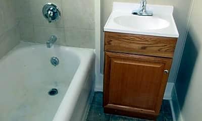 Bathroom, 3407 Fairfield Ave, 2
