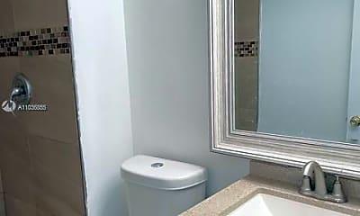 Bathroom, 11105 NW 37th St, 2