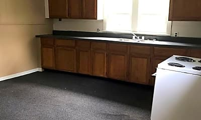 Kitchen, 301 S Park Ave, 1