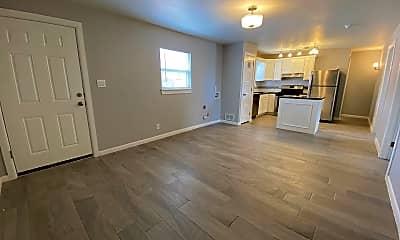 Living Room, 2723 Sacramento Ave, 1