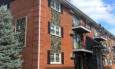 West Claire Apartments, 0