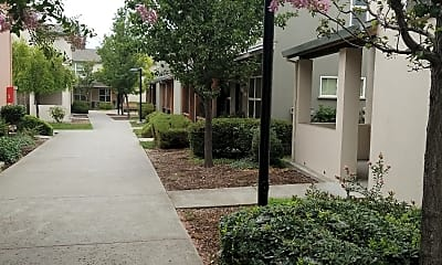Larkfield Oaks, 0