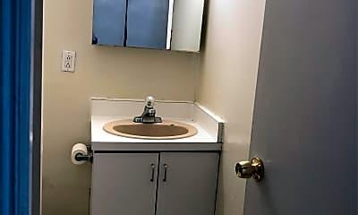 Bathroom, 434 Lombard St, 2