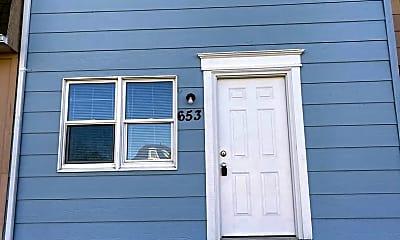Building, 641 W 61st St, 1