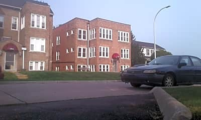 Dearborn Apartments, 2