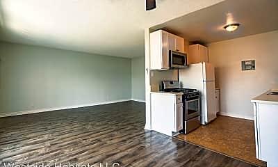 Kitchen, 350 S Manhattan Pl, 0