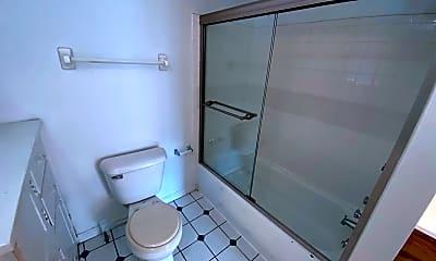 Bathroom, 10 E 17th Ave, 2