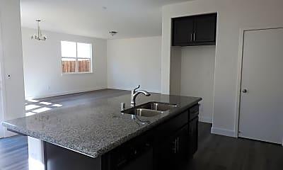Kitchen, 4449 Sierra Pine Way, 1
