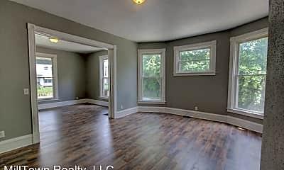 Living Room, 625 E Locust St, 1